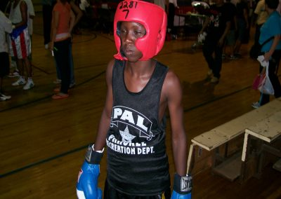 cops-helping-kids-boxing12